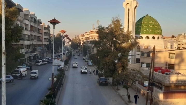 بلدية عرطوز تغلق المساجد والأندية وتضع برنامجاً لفتح المحال التجارية