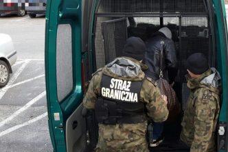 بولندا توقف 34 لاجئاً عند حدودها مع سلوفاكيا