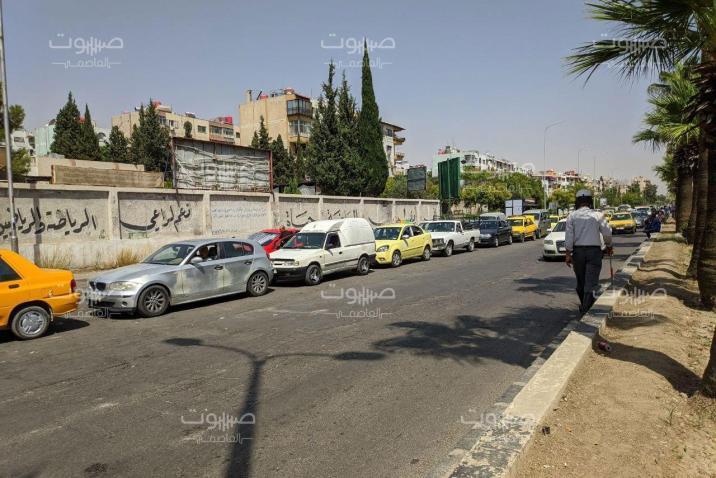 وزارة النفط تحدّد نهاية أيلول موعدا لانتهاء أزمة البنزين