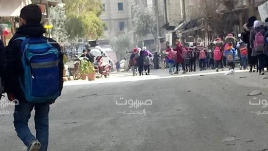 """مدارس جنوب دمشق """"المهملة حكوميا"""": خطباء المساجد يدعون الأهالي لدفع تكاليف دعمها"""