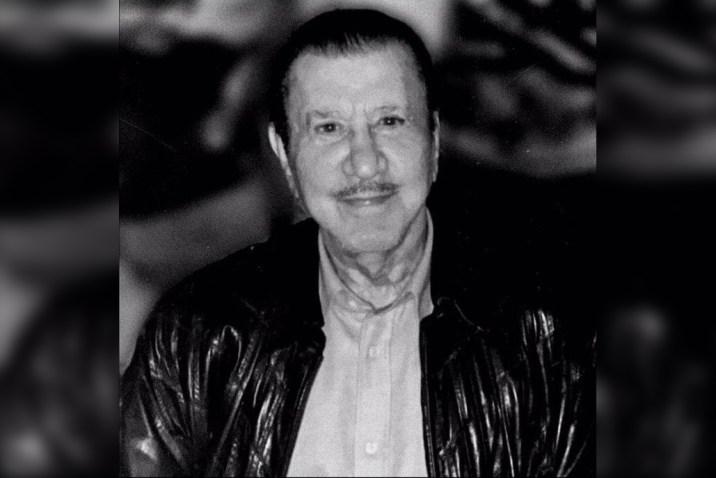 """لُقّب بـ """"بطريرك العائلة"""".. وفاة خال الأسد محمد مخلوف"""