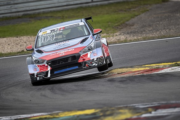 Thierry Neuville TCR