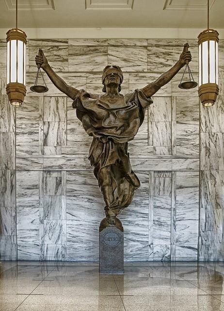 figure-of-justice-237109_640