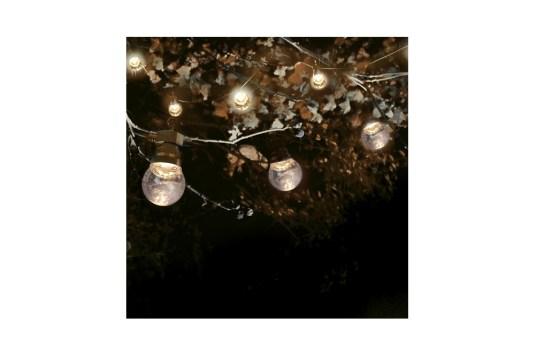 Guirlande guinguette fil noir et ampoules transparentes 10M - 49.95€ chez Skylantern