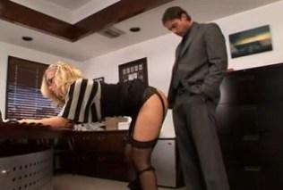 Nicole Aniston je připravena na šéfův penis