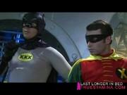 Batman a Robin ukojeni divokou kočkou Tori Black