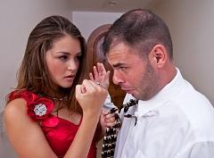 Allie Haze si zašuká se svým neschopným asistentem