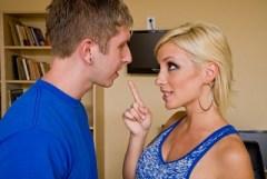 Lexi Swallow píchá s přítelem své sestry