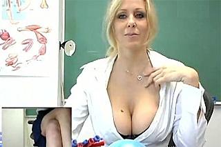 Masturbující učitelka Julia Ann