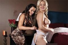 Nevěsta Sarah Vandella a družička Lisa Ann v lesbické rozkoši