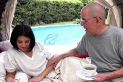 Sexuální čajový dýchánek s Coco De Mal