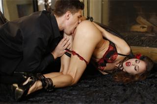 Dominantní sex jako narozeninový dárek! (Riley Reid a Bruce Venture)