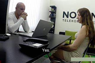 Fuck or Fired, aneb prcání v české kanceláři (Vynášení informací)