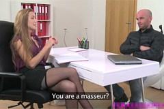 FemaleAgent Alexis Crystal a šikovný plešatý masér Martin – české porno