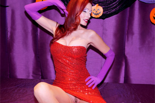 Shanda Fay: Halloweenská masturbace kanadské sexbomby!