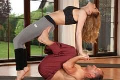 Pornokalendář DV 31.1 – Marika se vyspí s něžným instruktorem jógy