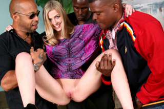Gang bang na dovolené, aneb česká turistka Abigaile Johnson a tři černé péra!