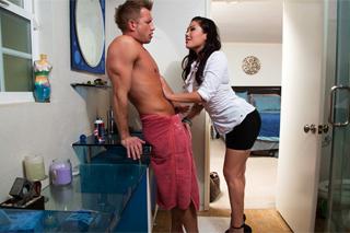Exotická London Keyes prcá s nevěrným manželem své kamarádky!