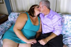 Pornokalendář DV 19.9. – Náruživá boubelka Zita mrdá se starším manželem!