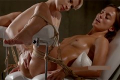 Svázaná Dominika C na orgasmické masáži!