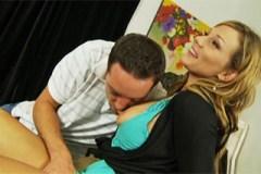 Pornokalendář DV (Štěpán, 26.12.) – Syn svede prsatou macechu Nicole Wright