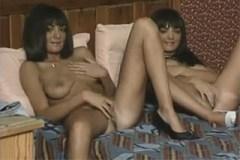 Pornokalendář DV (Bonifác, 14.5.) – Skupinový sex s dvojčaty!