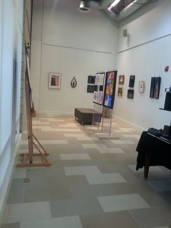 There's an art gallery and a grand-piano salon with a coffee bar where musicians sometimes play for residents, and for those who love the arts.