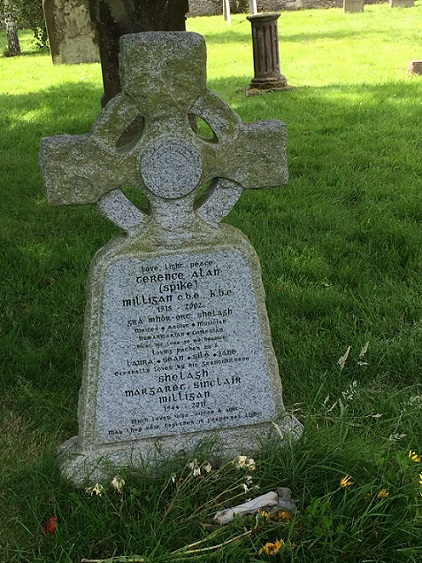 Spike Milligan gravestone/Winchelsea/I told you I was ill/Damesnet