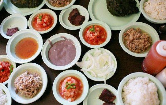 Lau lau, poi, and lomi lomi salmon at Ono Hawaiian Foods