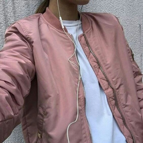 pink-bomber-jacket-casual-outfit-ideas-fashion
