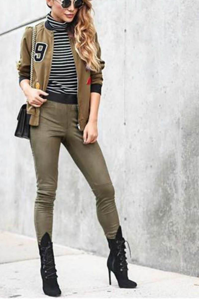 fall-winter-outfit-ideas-casual-ankle-boots-nude-jeans