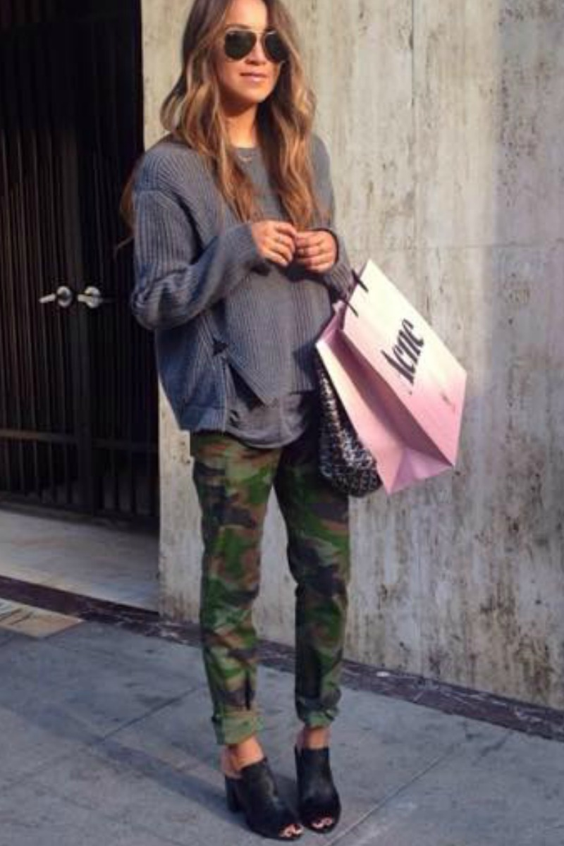 sincerely-jules-fall-outfit-casual-streetstyle-camo-pants-gray-sweater