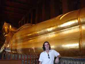 The 'largest reclining Buddha' in Bangkok