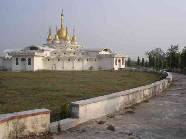 The meditation cell stupa and the path that every meditator must have paced 500 times