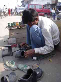 A shoe repair-wallah helps me to get a few more thousand kms out of my cycling shoes