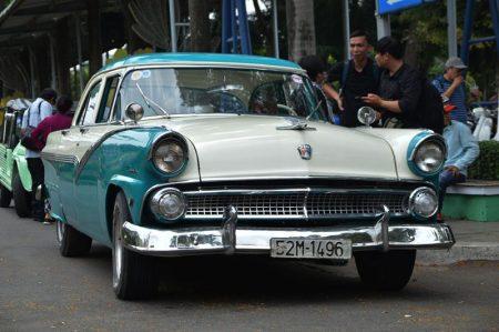 Những mẫu xe cổ trong Ngày hội xe cổ Sài Gòn lần 2