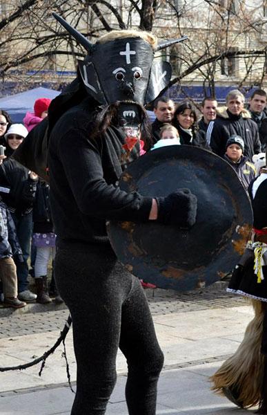 Фестивалът Сурва в Перник 3