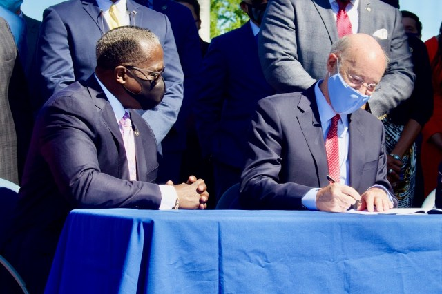 Governor Wolf signs Rep. Williams's House Bill 1910 into law.