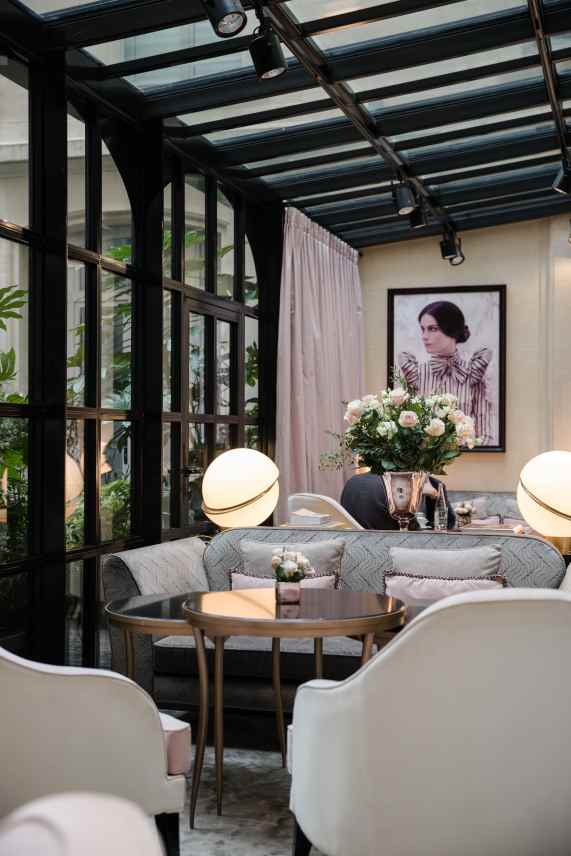 Staying at Le Narcisse Blanc in Paris, France | Luxury 5 Star Paris Hotel - Dana Berez