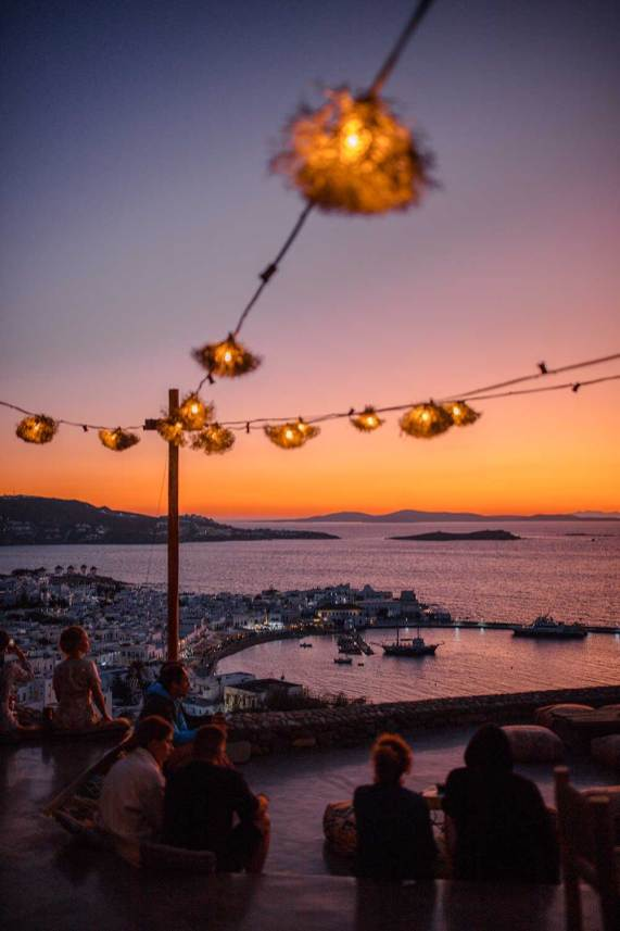 180 sunset bar mykonos