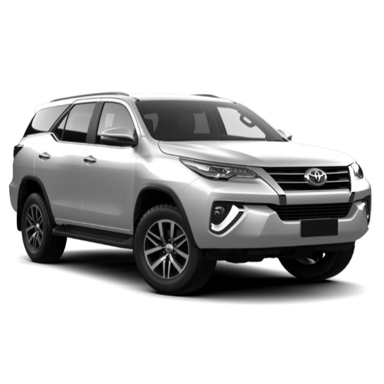 fortuner-danang-private-car