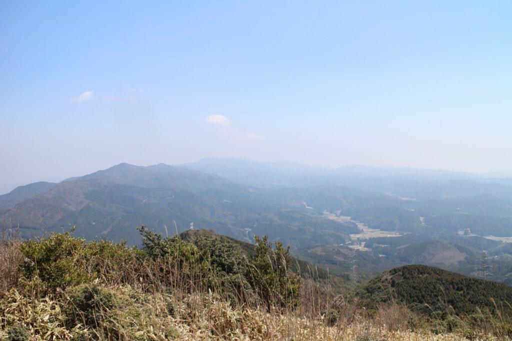 背振山と佐賀側麓