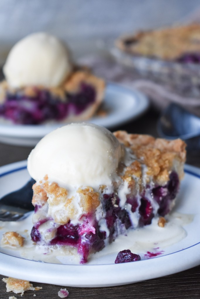 25 Buzz-Worthy Blueberry Desserts to Bake