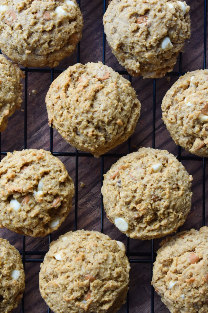 oatmeal scotchies on cooling rack