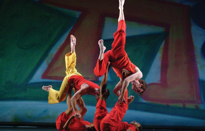 Trisha Brown Dance Company in Brown's Present Tense | Photo: Nan Melville