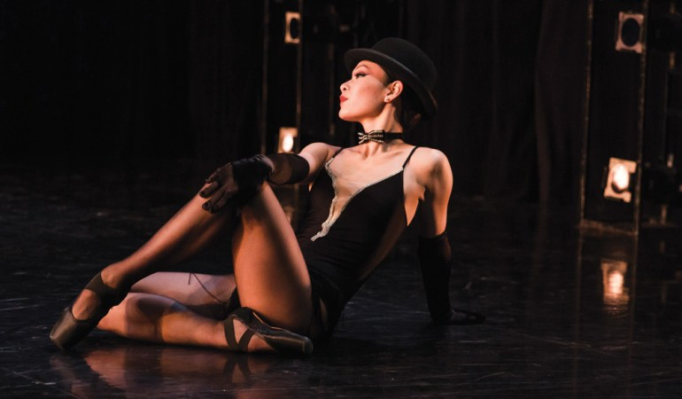 The Royal Winnipeg Ballet's Sophia Lee in Jacques Lemay's Le Jazz Hot Photo: Simeon Rusnak