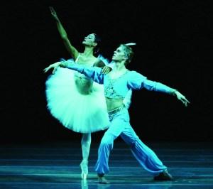 Mariinsky Ballet's Anastasia Kolegova  and Vitaly Amelishko in La Bayadère | Photo: Natasha Razina © State Academic Mariinsky Theatre