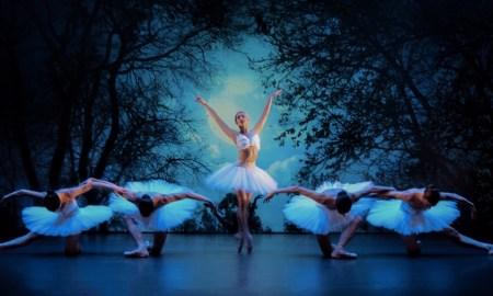 Melbourne Ballet Company in 'Archè'. Photo by Taylor-Ferné Morris.