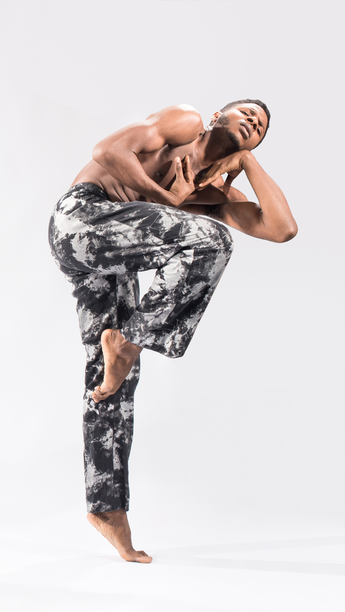 "Deeply Rooted Dance Theater's Joshua Henry in Joshua L. Ishmon's ""When Men"" (Photo by Ken Carl)"