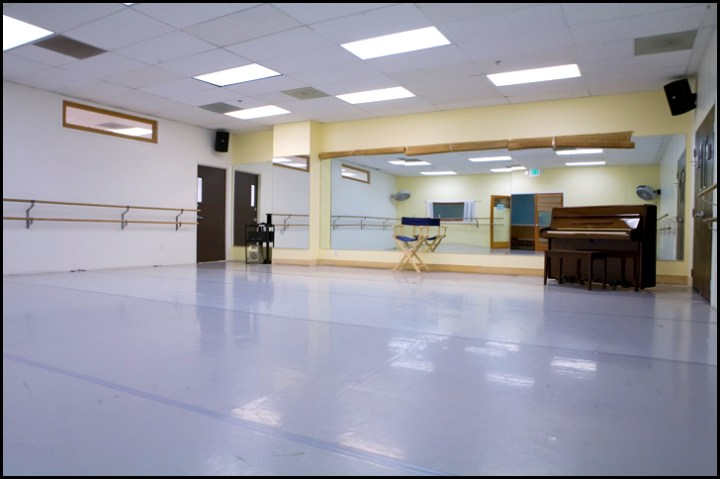 Studio Rental Space Available at Dance Studio No 1 The Bob Fosse studio has dimensions of 30    30  900 square feet  with sprung  floor and a Marley overlay  It is equipped with mirrors  a sound system